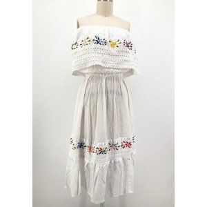 Vintage Embroidered Mexican Peasant Dress Floral